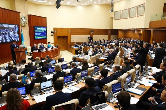 Мажилис одобрил проект трехлетнего бюджета