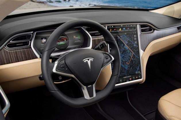 Tesla отзовет более 120тысяч электромобилей