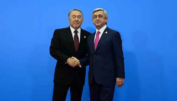 Нурсултан Назарбаев поздравил Сержа Саргсяна