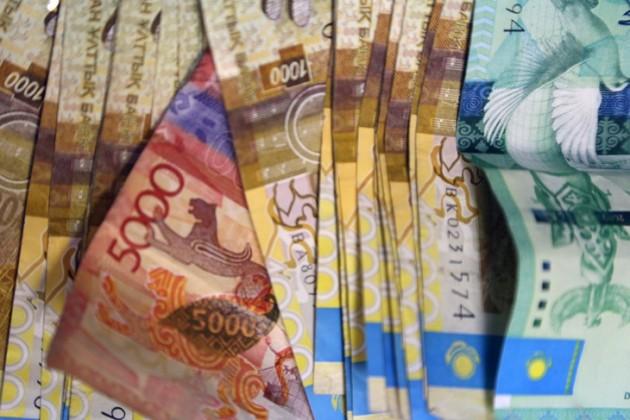 Максимальная зарплата в РК составила 3 млн тенге