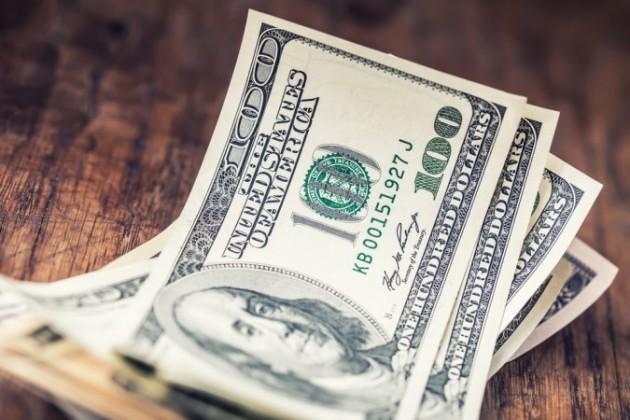 Казахстанцы по-прежнему предпочитают покупать доллары