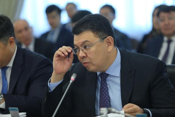 Канат Бозумбаев назвал оптимальную цену нанефть