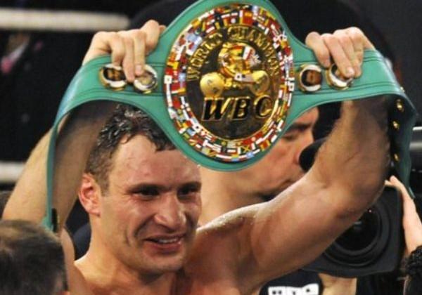 WBC перенес титульный бой Кличко