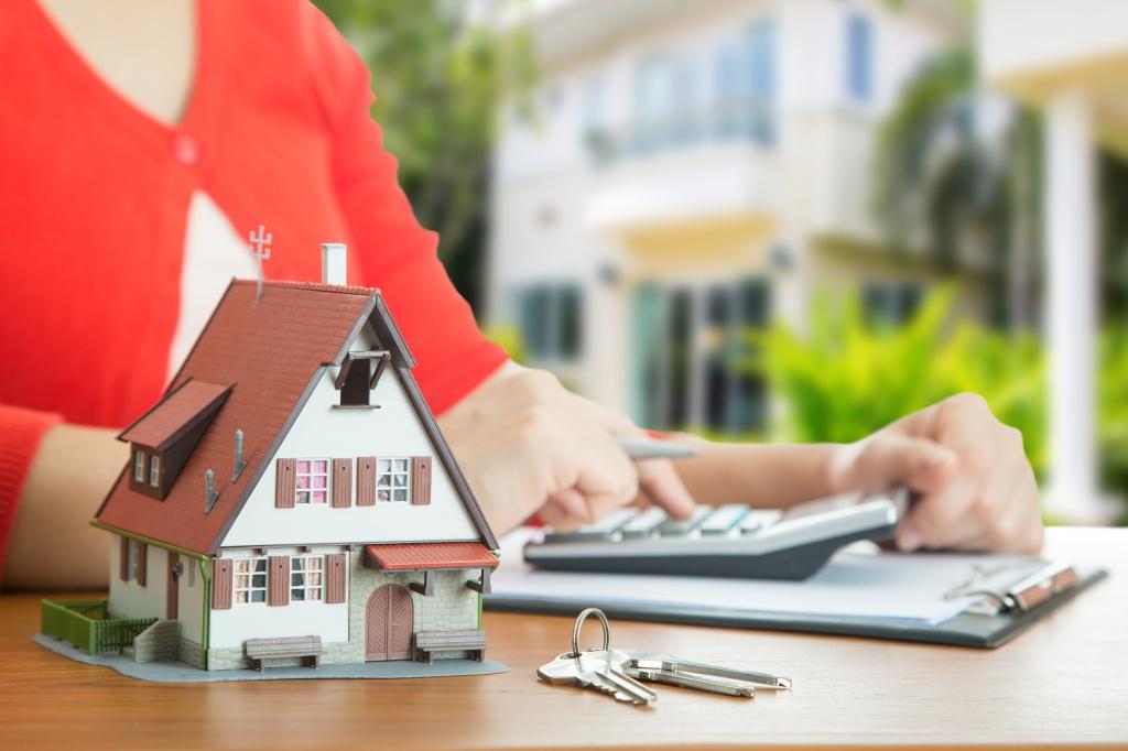 Стоит ли брать жилье в ипотеку