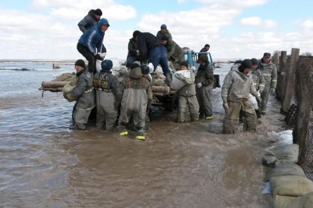Из-за паводков в регионах эвакуировано 15 100 человек