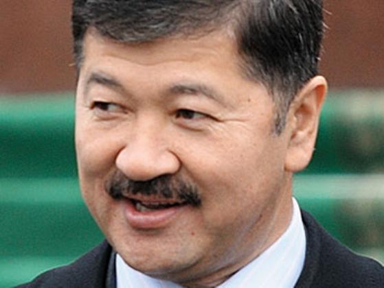 Утемуратов планирует объединить свои активы