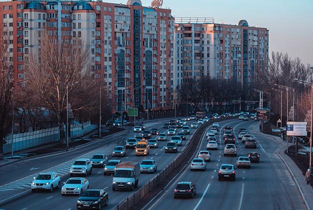 Частичная продажа «смарта» китайцам, юбилеи Volkswagen Golf и ателье Zagato