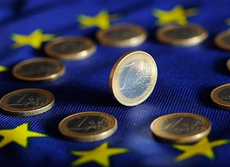Сегодня Латвия будет официально приглашена в еврозону