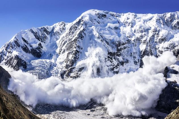 Вгорах близ Алматы сохраняется опасность схода лавин