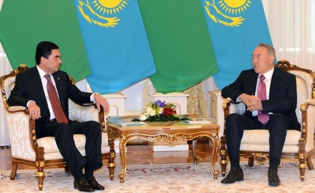 Порошенко обсудил спрезидентом Туркменистана прямое авиасообщение между Киевом иАшхабадом