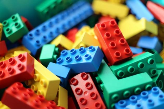 Сколько стоит Barbie и LEGO в Казахстане и других странах
