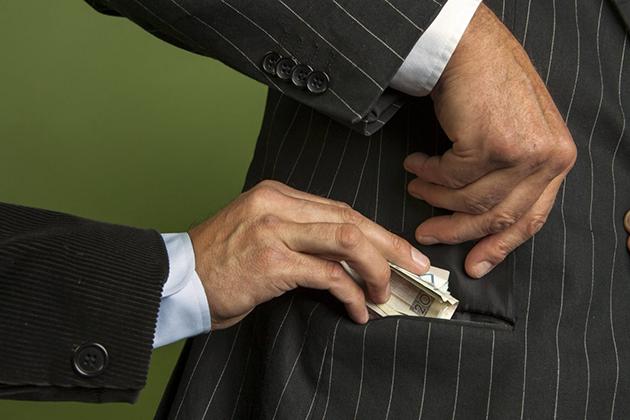 Искоренит ли безналичный расчет теневую экономику?