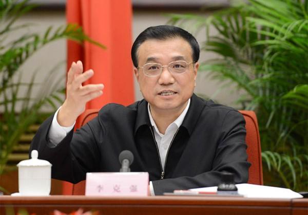 Премьер КНР призвал не бояться девальвации юаня