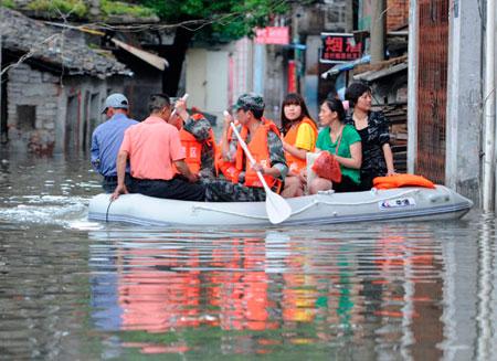 При наводнении в Китае погибли 55 человек