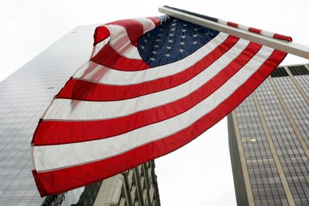 Bloomberg назвал число попадающих под новые санкции США российских «олигархов»