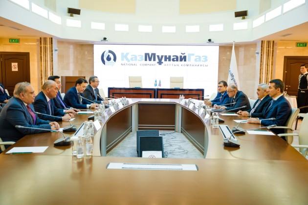 SOCAR будет управлять буровой установкой в Казахстане