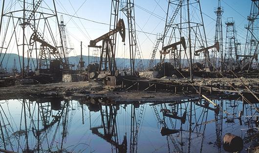 США в апреле увеличат добычу сланцевой нефти