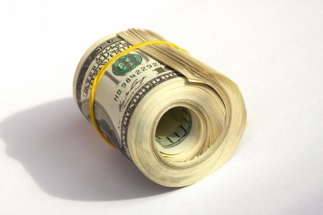 Доллар в обменных пунктах Алматы достиг 338 тенге