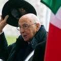 Президент Италии подает в отставку