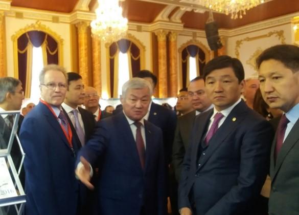 Бердыбек Сапарбаев пообещал инвесторам самые выгодные условия