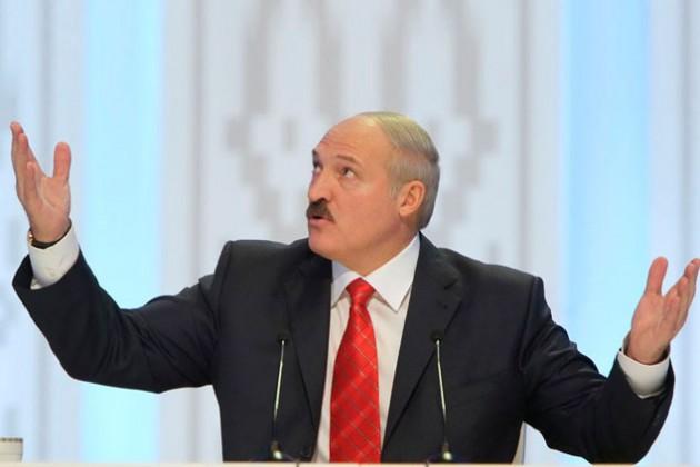 Лукашенко одобряет  взимание пошлин при выезде за границу