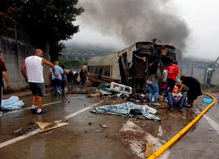 Обнародовано видео крушения поезда в Испании