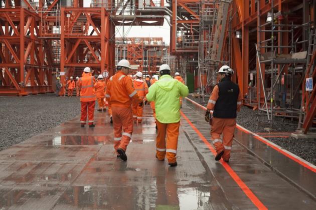 Нефтяные компании ускоряют прием работников