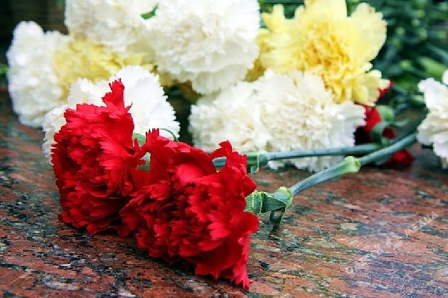 Руководство Казахстана возложило цветы кВечному огню вАстане
