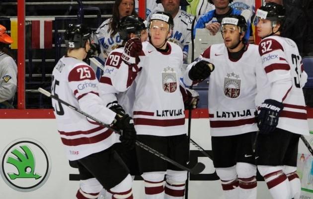 Сборная Казахстана уступила Латвии на чемпионате мира по хоккею