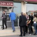 Магазины Греции не хотят принимать карты туристов