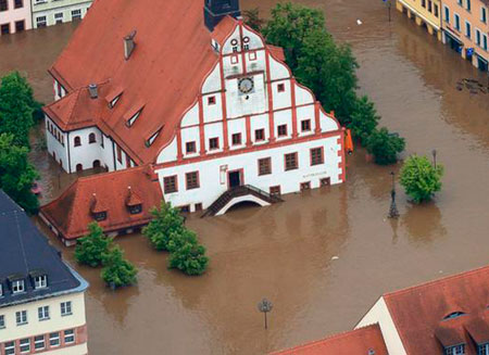 Пик наводнения ждут в Австрии