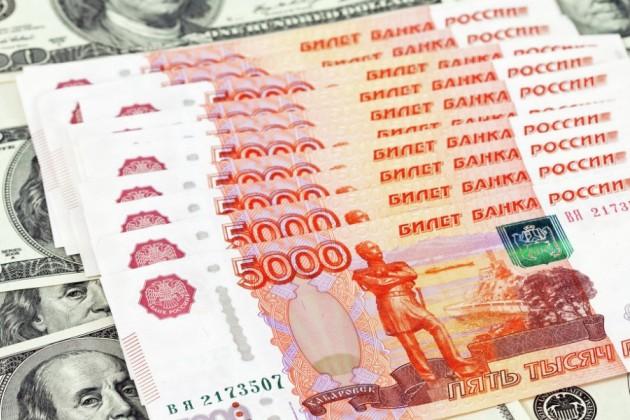 Чем выгодно падение рубля для казахстанских граждан?