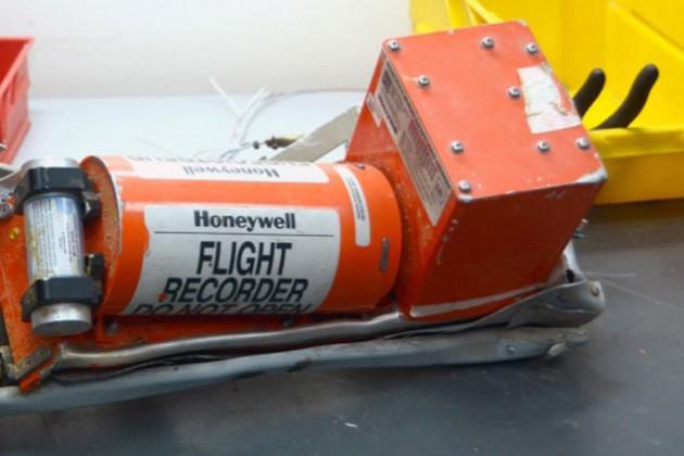 СМИ: На записи черного ящика А321 содержится отчетливый звук взрыва