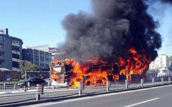 В Стамбуле взорвался автобус