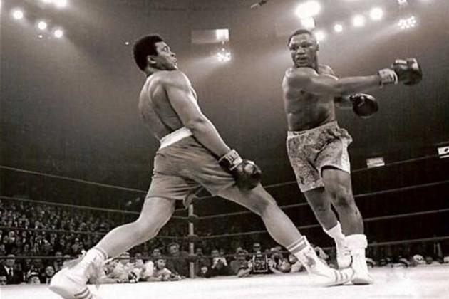 Перчатки Мохаммеда Али проданы за 388 тысяч долларов