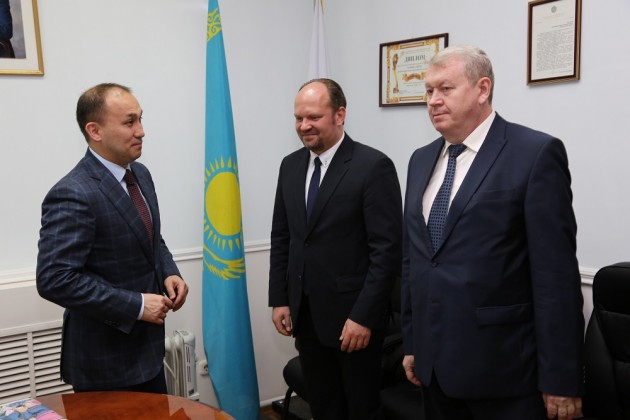 Даурен Абаев назначил руководителей госСМИ