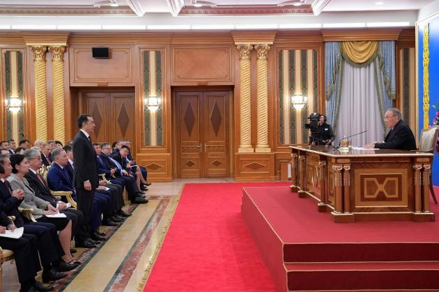 Президент запретил Кабмину часто совещаться