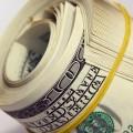 За месяц доллар ослаб на 0,1%