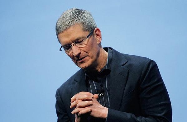 Глава Apple извинился перед Китаем