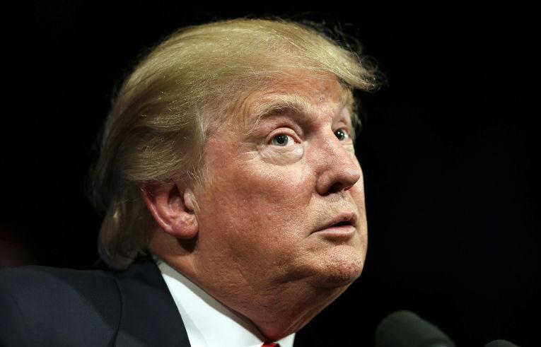 Почти 200конгрессменов подали всуд наДональда Трампа