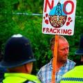 Великобритания продаст под сланцевый газ половину страны