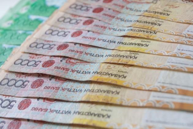 Казахстанцы стали тратить больше денег