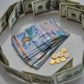 Доллар «топчется» вкоридоре 334—336тенге