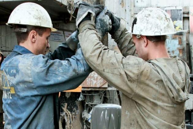 Цена нефти ОПЕК упала ниже $90