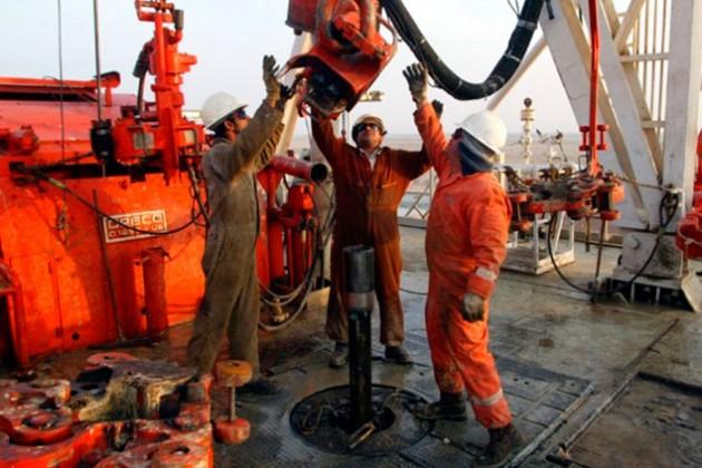 Прибыль у нефтяников падает, затраты растут