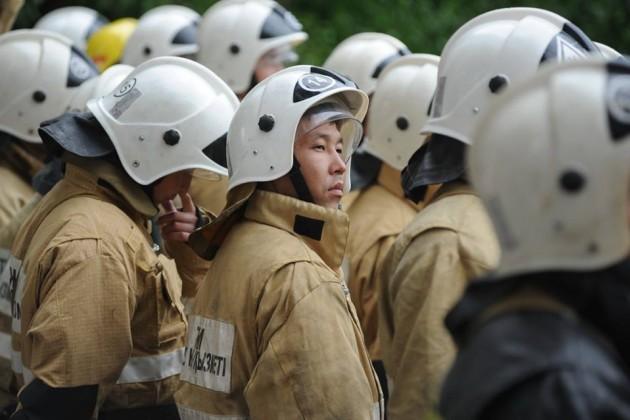 Пожар на месторождении Каламкас потушить пока не удалось