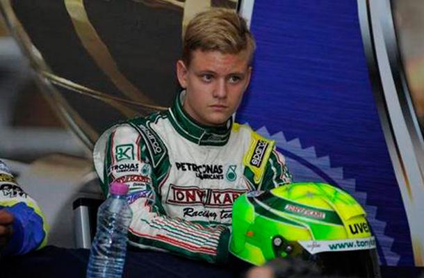 Сын Шумахера дебютировал за рулем болида Ф-4