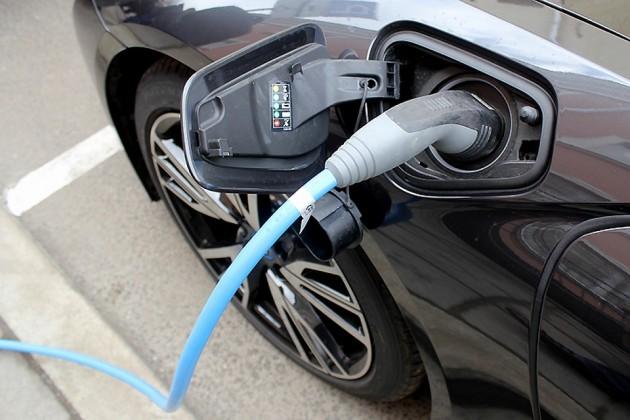 Немецкие автопроизводители вложат €40 млрд в электромобили