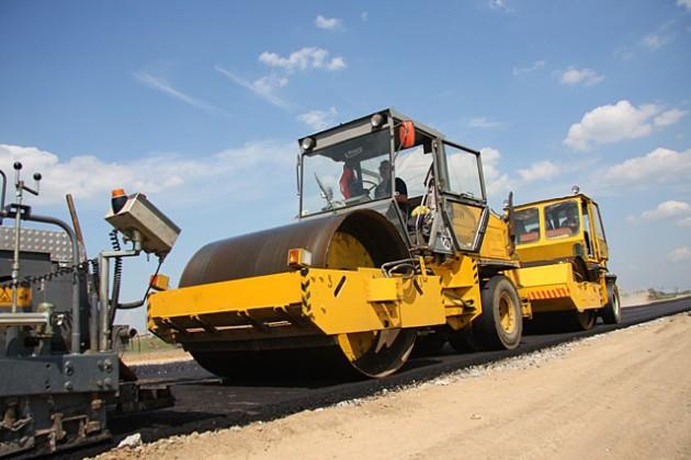 На юге страны на ремонт дорог потратили  49 млн. тенге