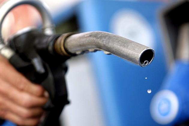 ЗКО лидирует поросту цен набензин